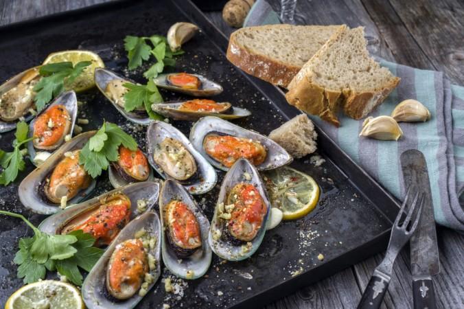 Es gibt soviele Möglichkeiten, Muscheln lecker zuzubereiten - fanngen Sie mit Moules Gratines an und Sie werden nicht mehr damit aufhören! (#2)